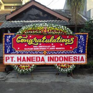jam Mmenerima pemesanan rangkaian bunga fresh seperti Rangkaian Bunga Tangan Toko Bunga di Cikupa Tangerang Banten- Toko Bunga BSD