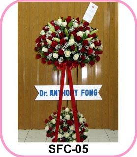 bunga rangkaian serta bentuk yang lain ke area maksud pengiriman di Pusat Pemerintahan Ko Bunga Papan Pelantikan Walikota Tangerang -Toko Bunga BSD