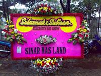 Kirim karangan bunga ucapan selamat pada Gubernur baru dipilih Provinsi Jawa Barat di Ged Bunga Pelantikan Gubernur Jawa Barat Baru